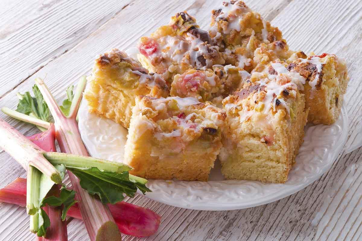 Rabarberu kūka bez miltiem un sviesta