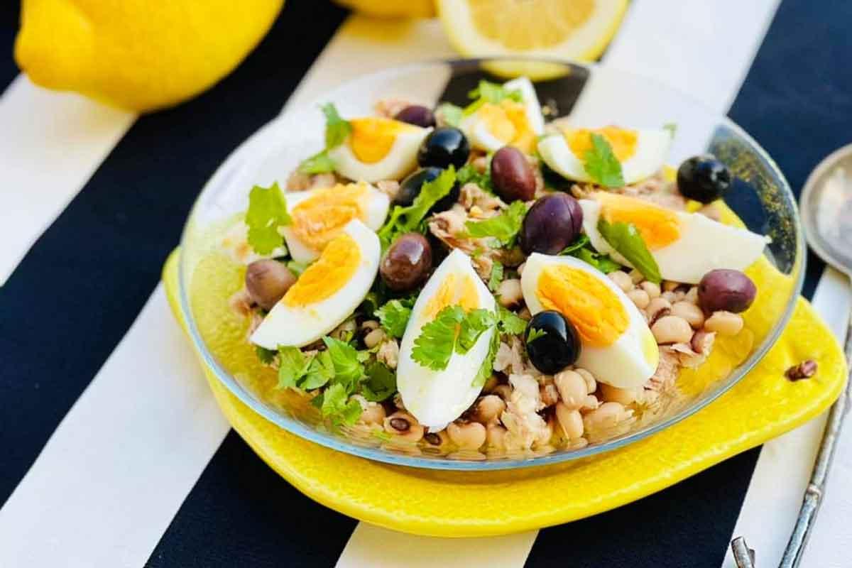 Tunča salāti ar melnacu pupiņām